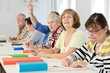 Leinwanddruck Bild - Erwachsene im Klassenzimmer