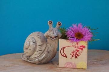 Schneckenpost - Geschenkpäckchen mit Blume