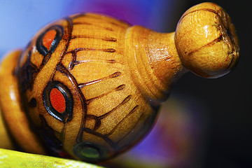 Wood hand made oil rose cap graved with patterns