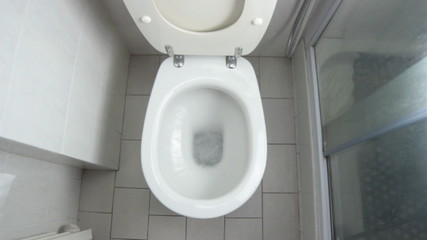 water splash in toilet