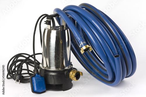 Schmutzwasserpumpe und Wasserschlauch - 56646340