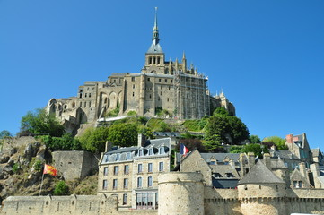 Murallas y Monasterio Mont Saint Michel, Francia