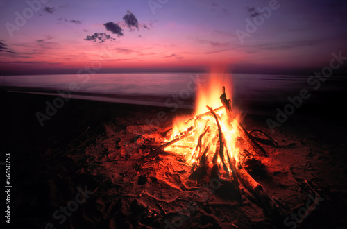 Aluminium Zonsondergang op het Strand Beach Campfire on Lake Superior