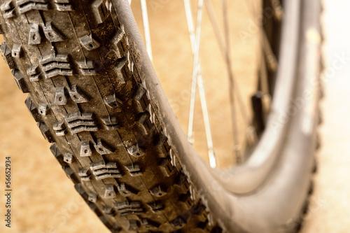 Muddy tire - 56652934