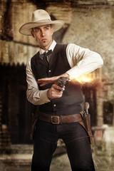 Western Mann Revolver schießen