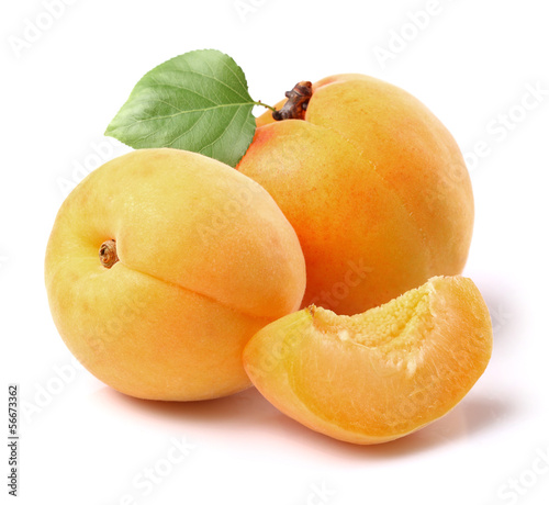 Ripe apricots with leaf