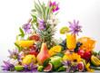 Obst-Vielfalt, freigestellt vor weißem Hintergrund