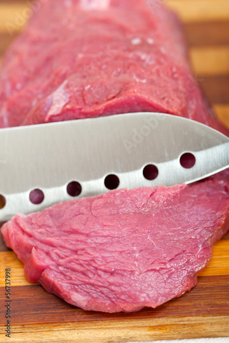 raw beef cutting