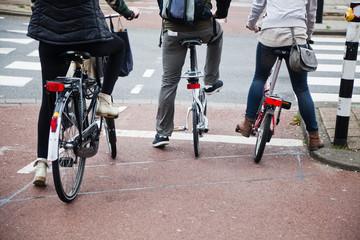 Radfahrer an der Ampel