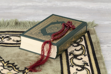 The Quran and the prayer beads