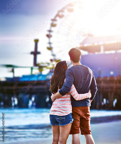 romantic couple at santa monica pier