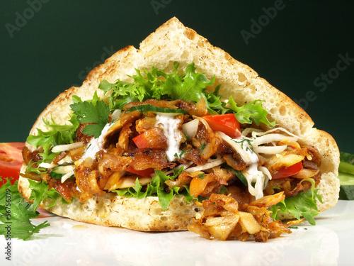 Döner Kebab zum mitnehmen - 56756379