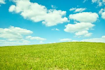 丘と青空と雲
