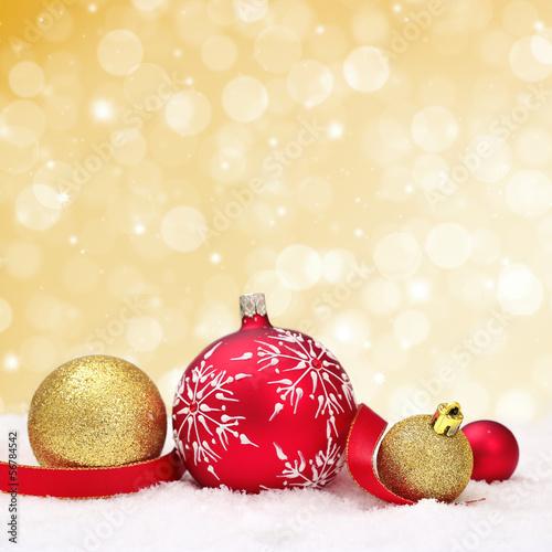 Weihnachtliches vor goldenem Hintergrund
