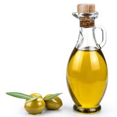Aceite de oliva virgen extra y aceitunas con hojas