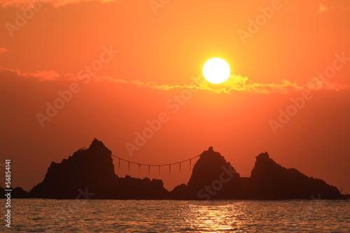 真鶴・三ツ石海岸の朝日