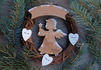 Weihnachtskranz mit Engel und Platz für Text