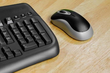 Black mouse and keyboard