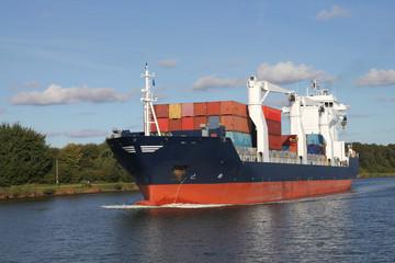 Containerschiff auf dem Kiel Kanal