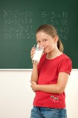 Schulmilch trinken