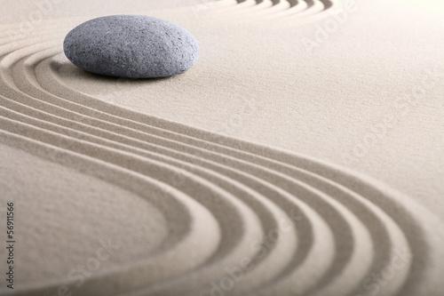 zen sand stone garden - 56911566