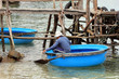 Bateau bouée tribal au Vietnam