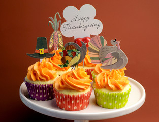 Happy Thanksgiving decorated cupcakes