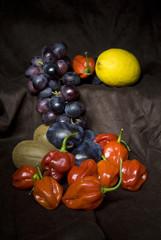 Peperoncini piccanti  è Frutta dolce
