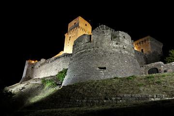 La Rocca Maggiore di Assisi di notte