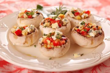 Stuffed mushrooms with gorgonzola, walnuts and red pepper