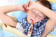 Krankes Kind schläft