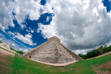 Chichen itza - Mayan pyramid in Mexico