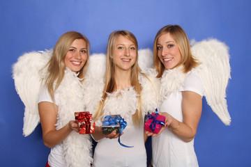 Engel mit Geschenken