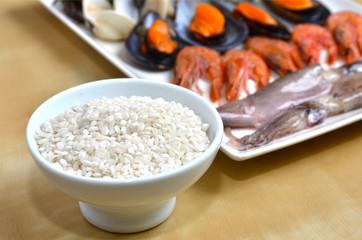 Ingredientes para cocinar una paella