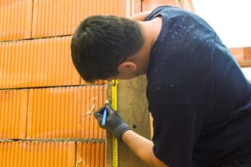 Bauarbeiter auf einer Baustelle