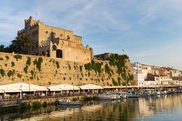 Pueto y ayuntamiento de Ciutadella. Menorca