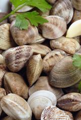 vongole con aglio e prezzemolo