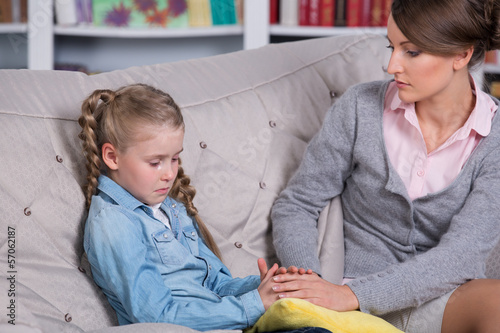 Child psychologist with a little girl
