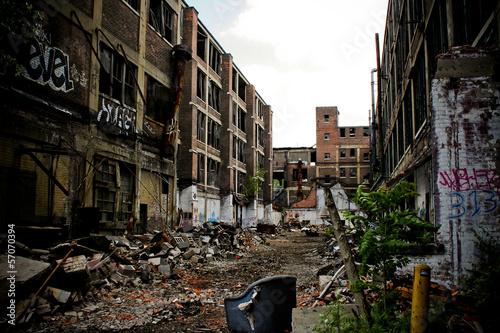 Fotobehang Oude verlaten gebouwen Abandoned Packard Factory 9
