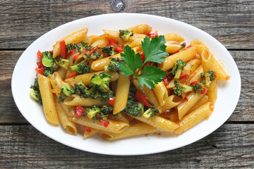 Pasta with broccoli and paprika