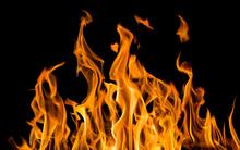 "Постер, картина, фотообои ""yellow fire sparks isolated on black"""