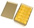 Pappkarton voller Goldmünzen