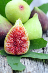 fresh figs fruit