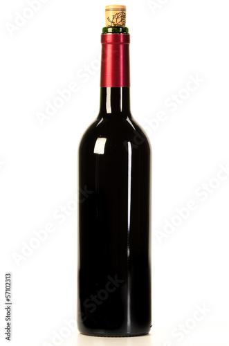 Rotweinflasche isoliert