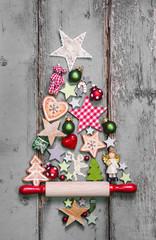 Weihnachten rustikal im Landhausstil mit Holz und Rot