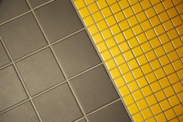 Fliesen auf einem Fußboden im Badezimmer