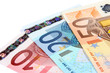 Billets en euro sur fond blanc
