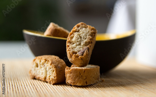Cantuccini in gebogener Schale © creat1on