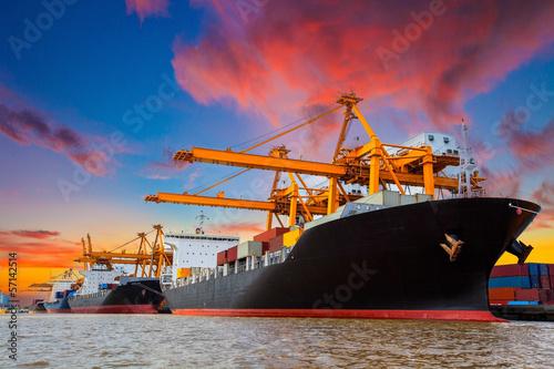 Staande foto Industrial geb. port