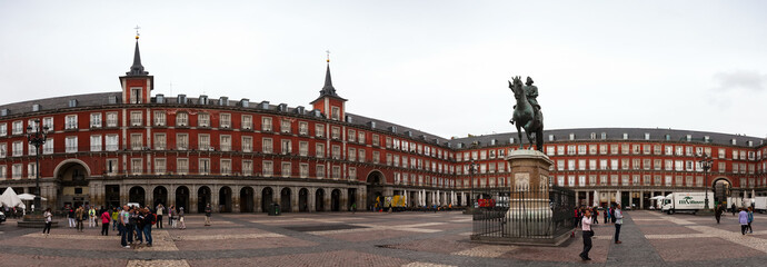 Panoramic view of Plaza Mayor with statue of Felipe III in Madri